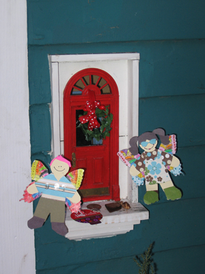 Urban Fairies, fairy doors, fairy door, Fairies, fairy doors of Ann Arbor, original fairy doors, Red Shoes, flat fairies